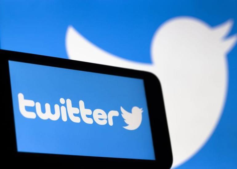 """""""Twitter"""" Azərbaycanın sosial media məkanında liderliyə yüksəlib"""