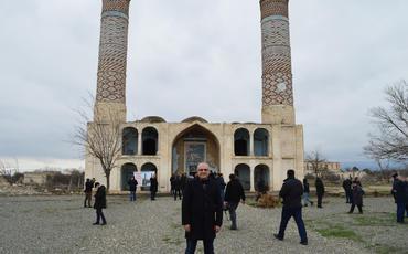 """""""Kölgə-şəhər""""in kölgəsiz minarələri"""