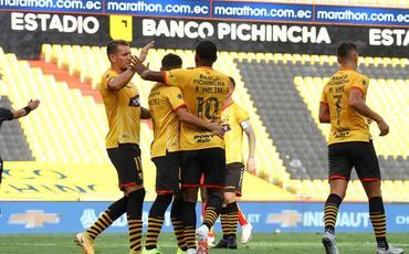 Cənubi Amerikada meydana daha bir komanda 7 futbolçu ilə çıxıb