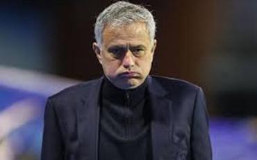 """Tottenhem"" Joze Mourinyonu istefaya göndərib"