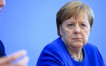 Merkel AŞPA-da çıxışında Navalnının vəziyyətindən narahatıq olduğunu bəyan edib
