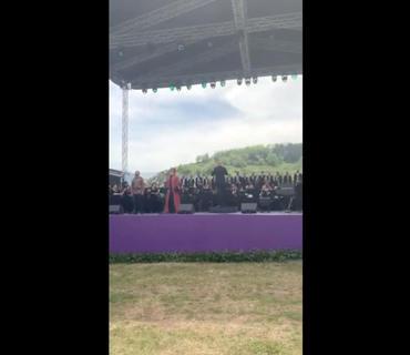 """Birinci vitse-prezident Mehriban Əliyeva """"Xarıbülbül"""" musiqi festivalının qala-konsertindən görüntü paylaşıb"""