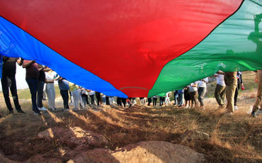 Diaspor nümayəndələri Cıdır düzündə Azərbaycan bayrağını dalğalandırıblar