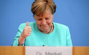 Almaniyada Angela Merkelin şərəfinə qızıl sikkələr buraxılıb