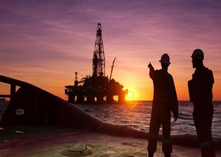 EIA neft qiymətləri üzrə proqnozunu yüksəldib