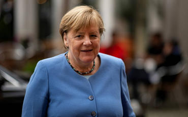 Angela Merkel Türkiyəyə səfər edib