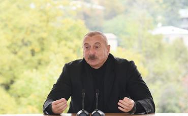 """Prezident: """"Qubadlıdan sonra zəfər yürüşümüzü şərəflə davam etdirdik və Şuşada dövlət bayrağımızı ucaltdıq"""""""