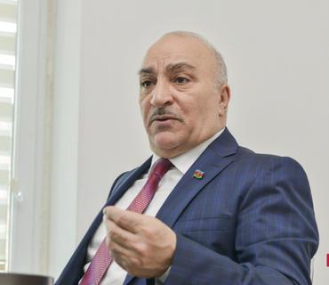 """Deputat: """"Əhalinin torpaqdan istifadə etməsinə imkan yaradılmalıdır"""""""